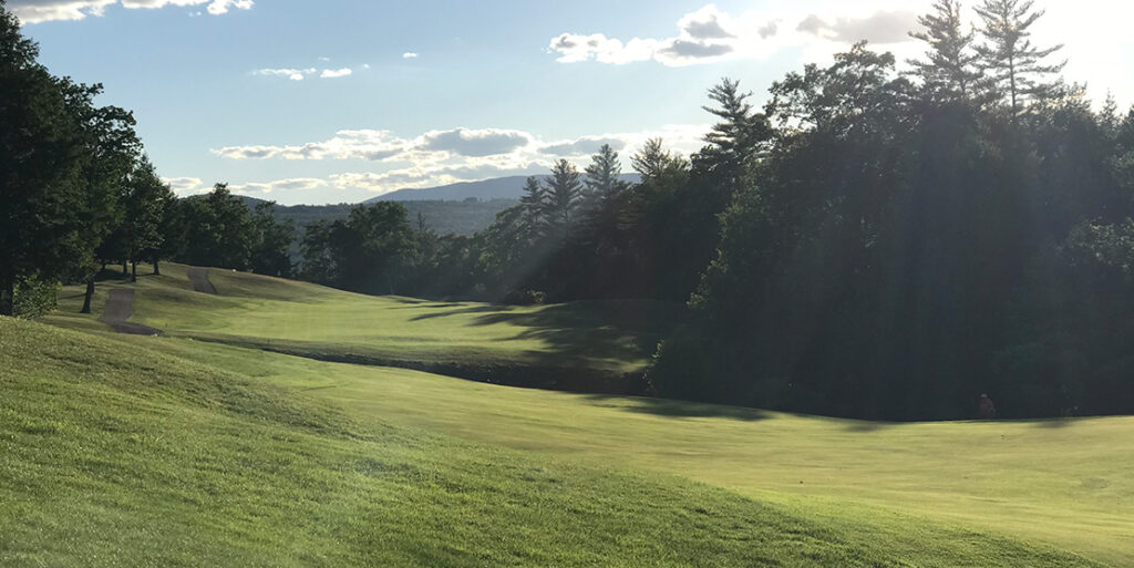 How to Choose the Right Golf Course